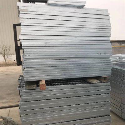 天津踏步板 踏步板磨边 防护钢格板