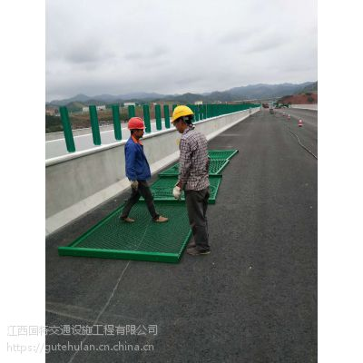 厂家直销鹰潭高速公路防眩网 道路中央隔离网 安全隔离防护钢板网