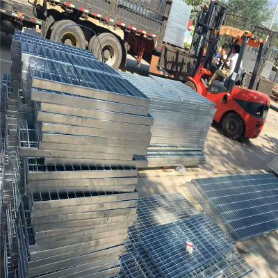现货不锈钢钢格板 广东地沟格栅板 齿形防滑踏步板