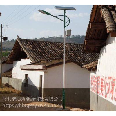 河北保定太阳能路灯 6米30W农村家用太阳能路灯价格
