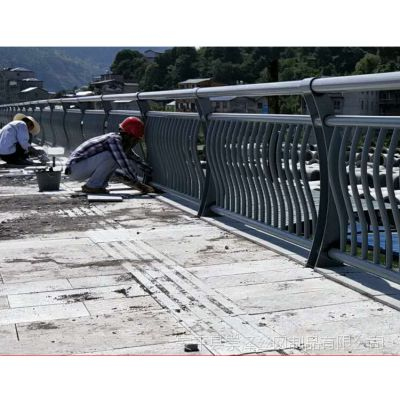 304不锈钢桥梁防撞护栏厂家 不锈钢河道景观护栏报价