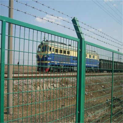 道路交通框架护栏网 绿色包塑铁丝网 定制厂区围栏网