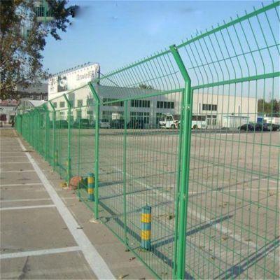 边界隔离防护网 车站***围栏网厂家 服务区浸塑围栏网
