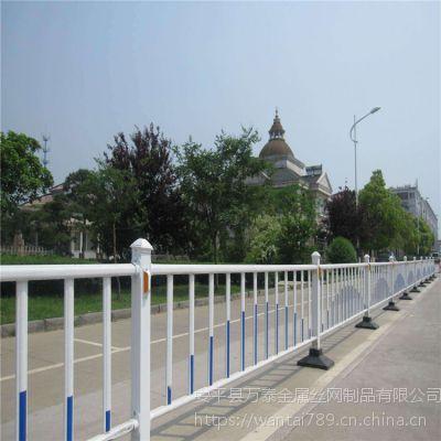 道路隔离护栏 隔离网型号 优质塑钢围挡