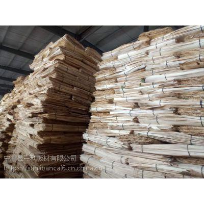 三利板材杨木包装箱板表面平整度好包装箱板