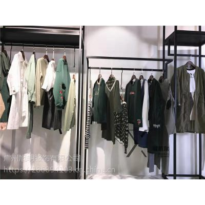 上海品牌女装折扣店古诺尔新款大衣库存服装