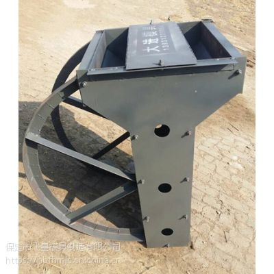 隔离墩钢模具 做工精细 外形美观 产品质量合格 欢迎来电