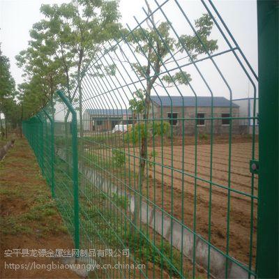 新农村建设护栏网 新农村围栏网 社区球场护栏网