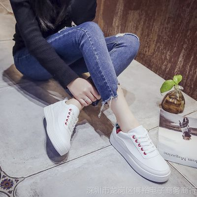 白鞋流行中大童轻质休闲鞋经典旅游小白鞋2018年厚潮流女鞋春季