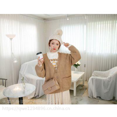 台绣广州汇典品牌折扣女装批发女装 品牌折扣女裤尾货银色马甲背心