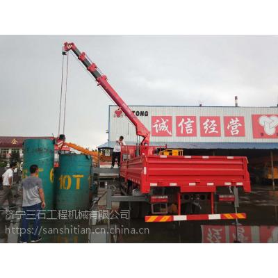 山东济宁随车吊生产厂家详细地址6.3吨东风5.8米货箱随车吊上黄牌