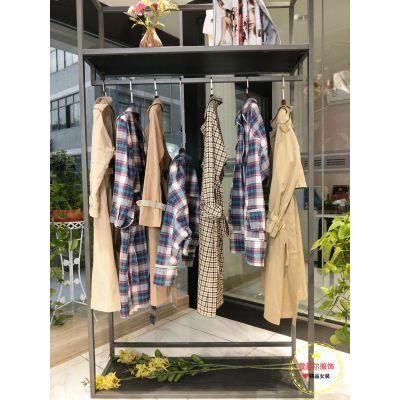 杭州品牌女装折扣霓裳新款小外套防水布料尾货渠道多种风格新款组货包