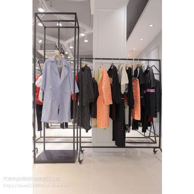 欧时力品牌女装折扣专卖 成都折扣店加盟女装尾货红色大码女装