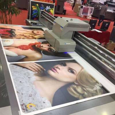 深圳广告标识牌uv打印机厂家 亚克力理光平板打印机