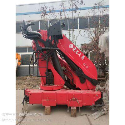 6.3吨折臂式随车吊厂家 宏昌天马折臂吊直接放在货箱里面的