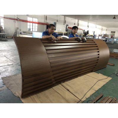澳门弧形包柱铝单板,烤漆铝板应用