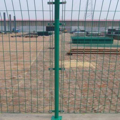 护栏网厂家供应 绿色铁丝网护栏 公路隔离网 浸塑铁丝网 养殖铁丝网 圈地围网