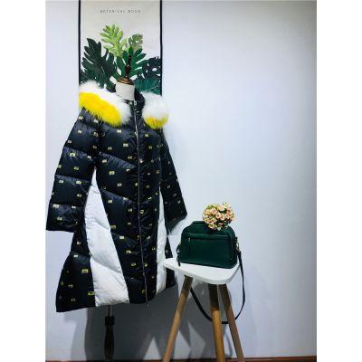 2018年新款仟袖羽绒服品牌折扣女装库存尾货