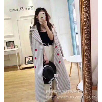 18年冬季新款女装批发时尚品牌女装厂家直销货源市场
