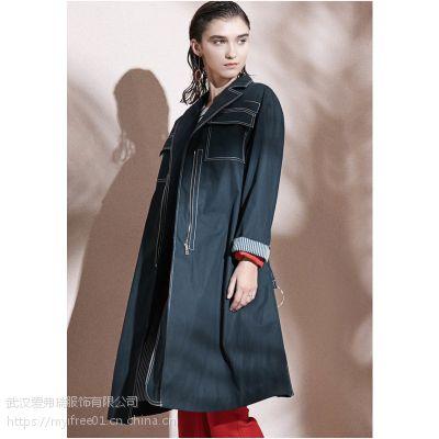走份女装店坤斯朵丽19年春装新款风衣外套