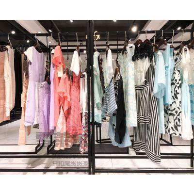 女装加盟哪个品牌可靠朗黛夏装货源三荟女装市场多种面料新款组货包