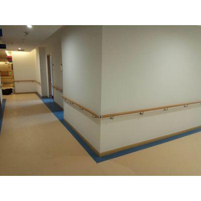 成都养老院走廊墙面扶手栏杆护栏无障碍防撞扶手木纹圆形