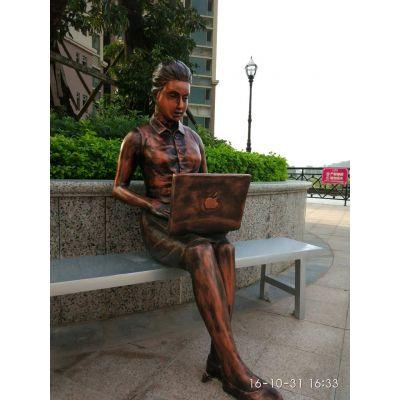 玻璃钢仿铜雕塑人物雕塑民俗农耕人物摆件大型商业街步行街摆件