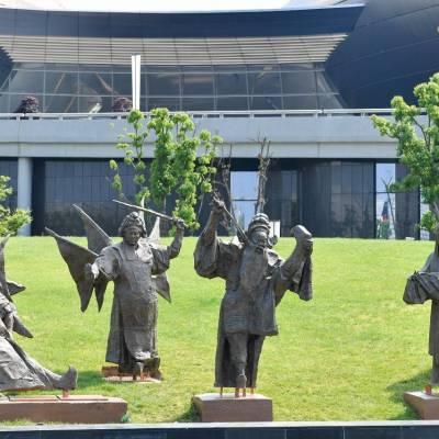 大连不锈钢雕塑厂家哪里有?大连铸铜雕塑哪里有?大连石雕厂家在哪?