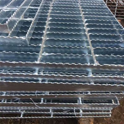 压焊锯齿钢格板 镀锌钢格板制造厂家 镀锌水沟盖板