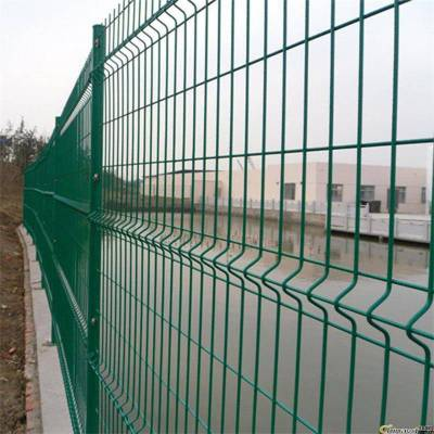 绿色护栏网1.8*3米围墙围栏网水库河道圈地钢丝网围栏优盾批发防护网