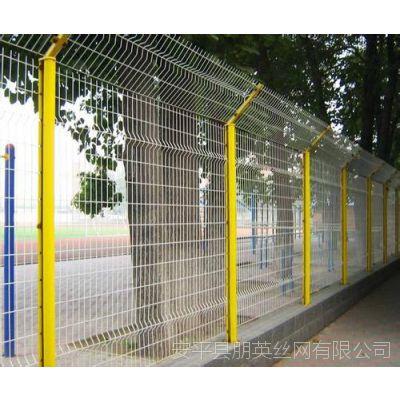 河北厂家供应 学校围栏网 低碳钢丝折弯护栏网