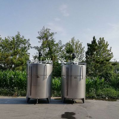 白钢板酒罐子 密封性好的运输罐 曲阜融兴3吨储酒罐批发价