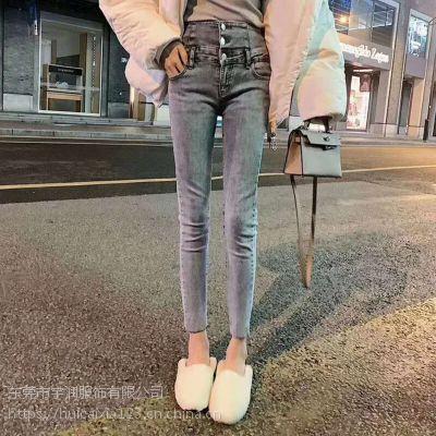 天津外贸尾货市场哪里有外贸牛仔裤批发便宜几块钱的牛仔裤批发库存牛仔裤批发