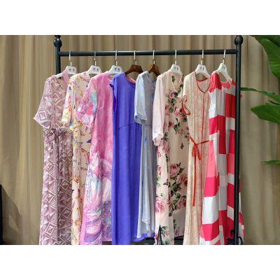 广州一手货源女装批发市场 19年茵美娜真丝连衣裙 性价比高 一手货源批发 时尚大方 多种风格