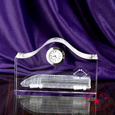 火车乘务员水晶礼品摆件,新车通车纪念品摆饰定做,深圳水晶厂家直销,带钟表