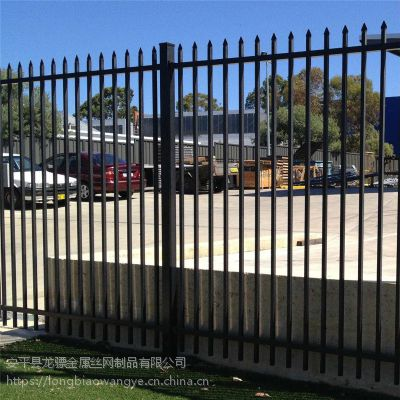 围墙建设栏杆 厂区围墙栏杆 铁艺护栏厂家