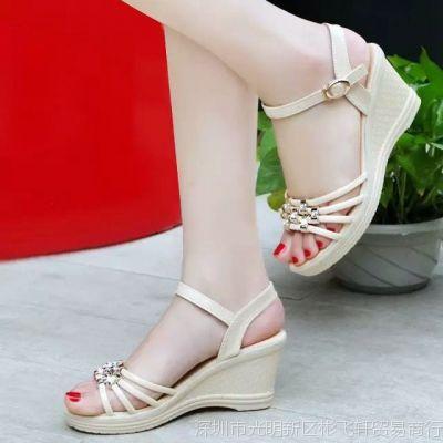 时尚坡跟妈妈凉鞋软底中年妇女凉鞋夏中跟鱼嘴凉鞋30-40-50岁
