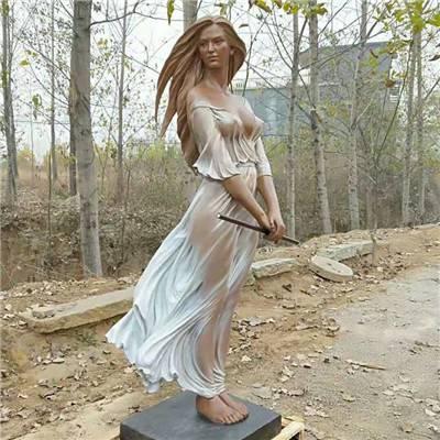 拿笛子穿半透明裙子仿真美女玻璃钢雕像/若隐若现穿仙女裙女孩雕塑/赤脚站立外国少女塑像