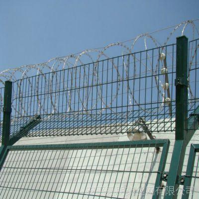 厂家批发 监狱刀片刺绳防御围栏网 朋英 浸塑Y型柱安全防护网 可定制