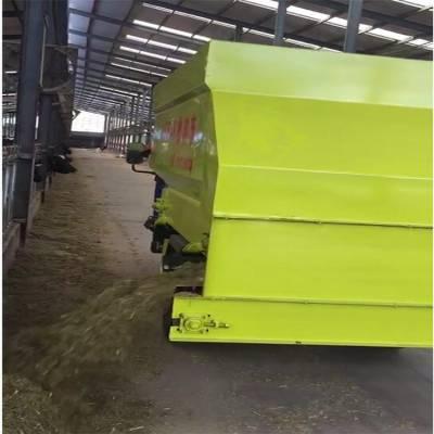 3立方牛场自动喂料设备 来厂参观牛棚舍喂料车现场 润丰