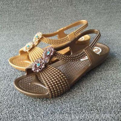 夏季女士中跟拖鞋女式凉拖防滑坡跟凉鞋时尚塑胶厚底休闲女鞋