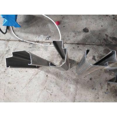 金属彩钢压花门框机 防盗门框压型设备 地鑫设计飞锯切断