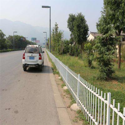 仿木护栏价格 游乐园建设仿木护栏 市区绿化隔离栏