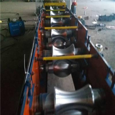 地鑫机械厂家屋脊瓦设备屋面瓦压瓦机 彩钢屋脊瓦设备