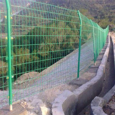 绿色铁丝网围栏 主营双边丝护栏围网 北京工地围栏网厂家