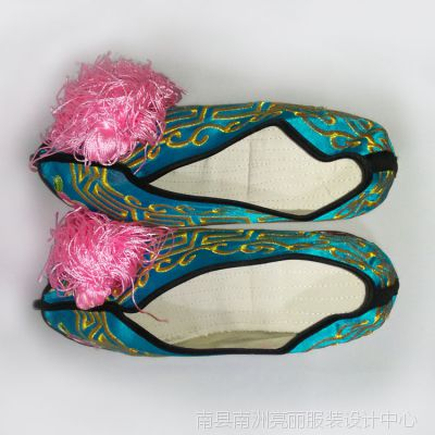 女式戏曲舞台表演绣花鞋内增高坡跟高跟女子京越杨梅花鼓戏剧鞋