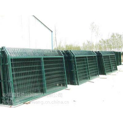 市政隔离护栏网厂家——1.8*3米带边框护栏网年终8折特卖
