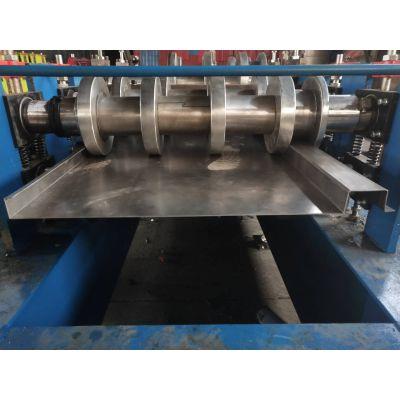 厢式物流车箱体板设备 地鑫压制镀锌板冷弯机 汽车箱板压瓦机