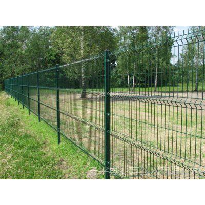 厂家直销 桃型柱护栏网 朋英 公路安全围栏网 马路隔离防护网