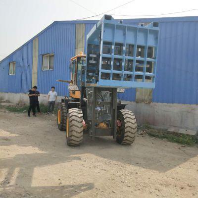 金宏叉车定做使用说明四驱叉车带抱砖机5台批发中首重工